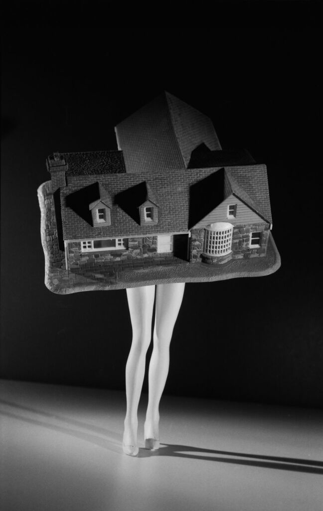 Laurie Simmons, Walking House, 1989