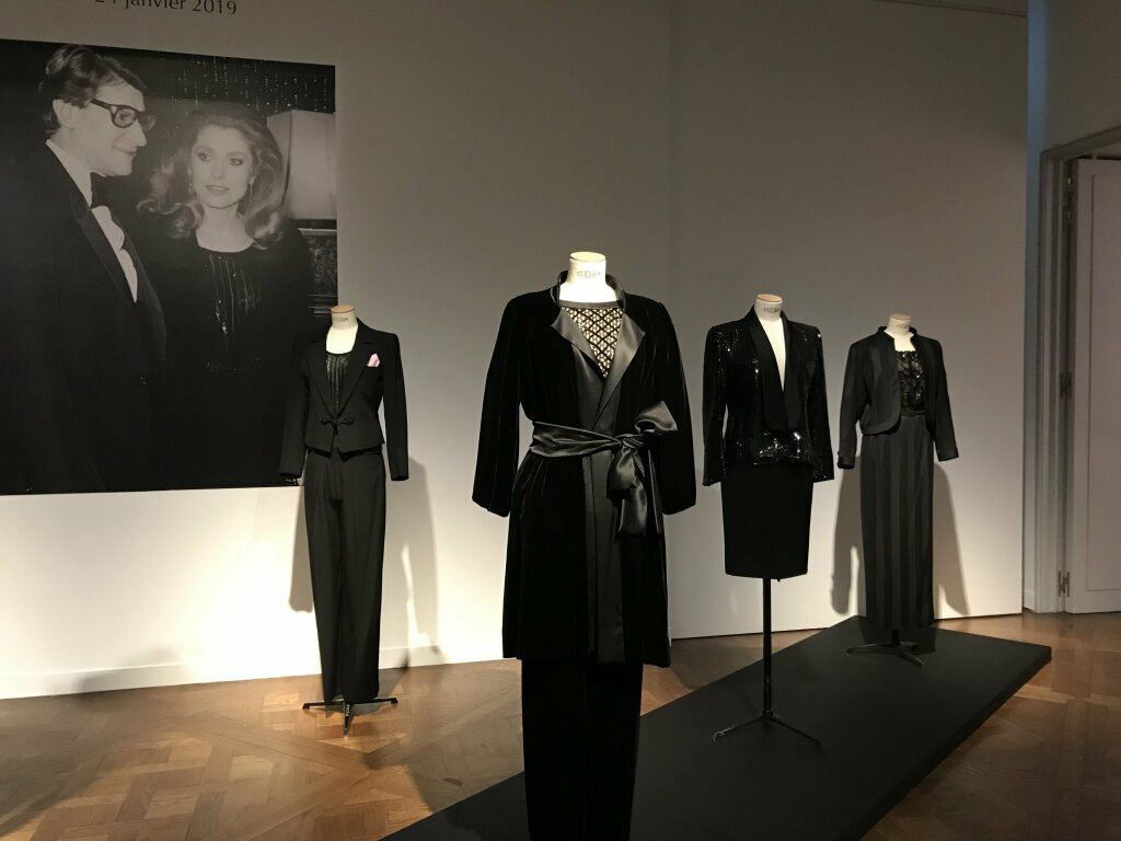 Catherine deneuve vente enchères Yves St Laurent Christies 7103