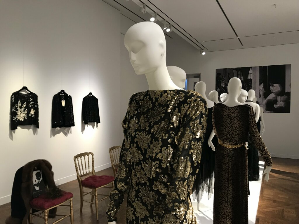 Catherine deneuve vente enchères Yves St Laurent Christies_7115