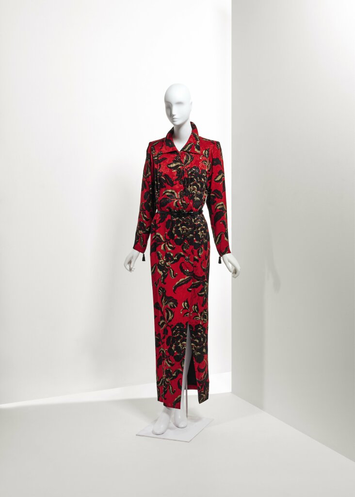 Lot 48 - A printed silk long dress Fall Winter 1994-1995 €1.000-2.000