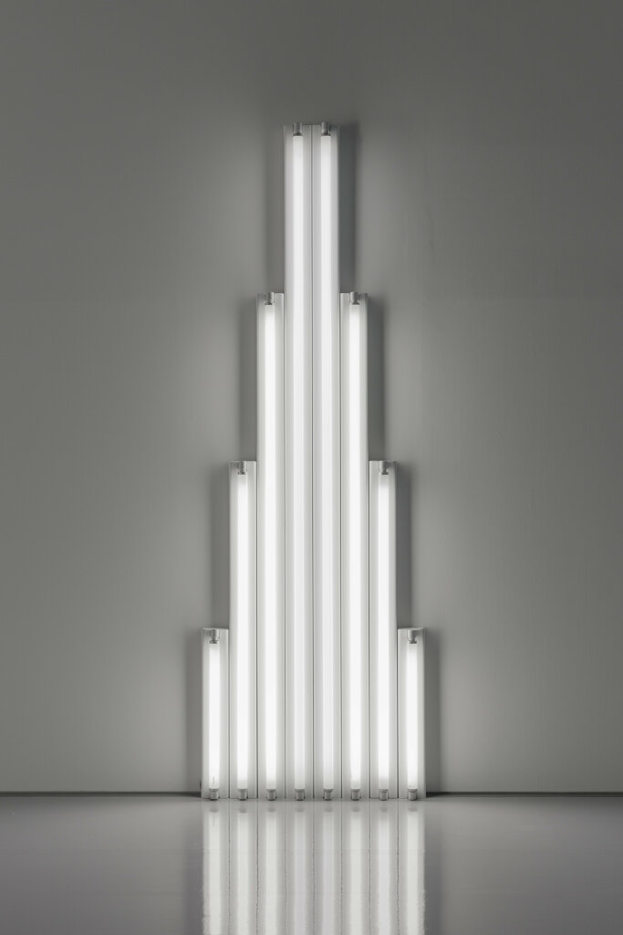 """ Dan Flavin"" exhibition at L'Espace Louis Vuitton Tokyo, February 1st 2017 - September 3rd 2017"