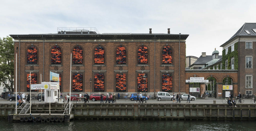 Ai-Wei-Wei-life-jackets-Soleil-Levant