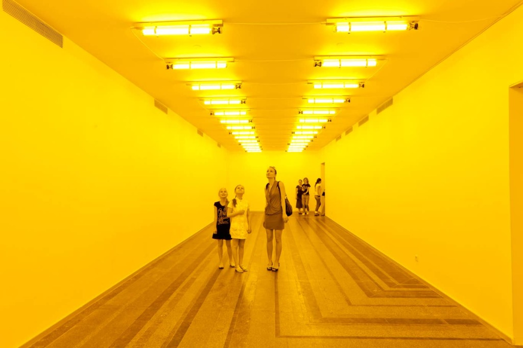 olafur-eliasson-Room-for-one-colour