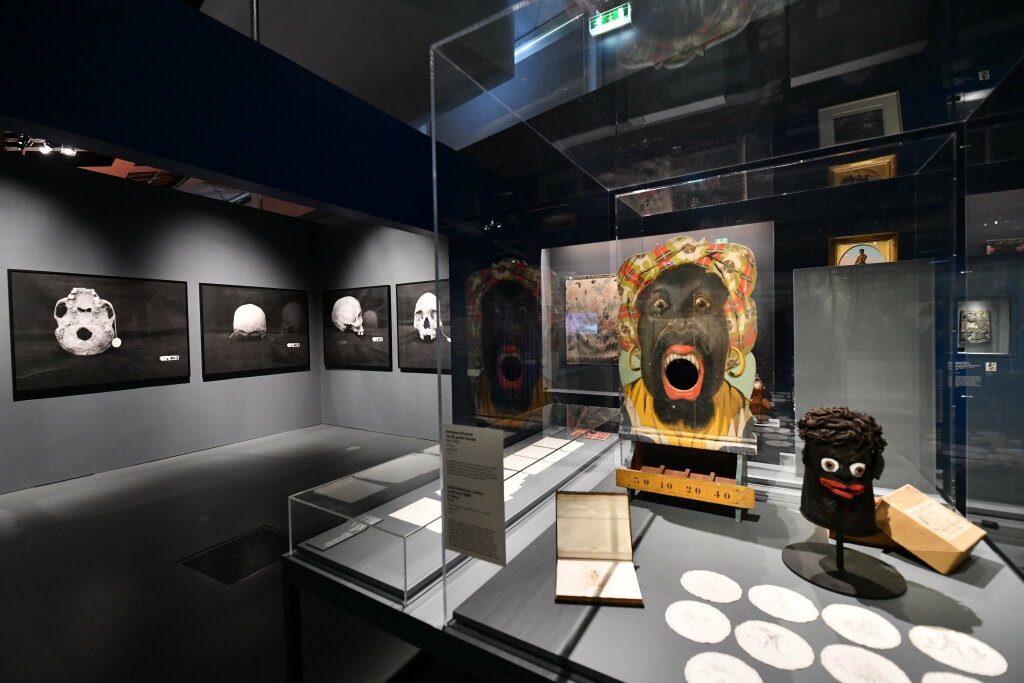 Vue exposition - 20 ans d'acquisition - Quai Branly Paris (37)