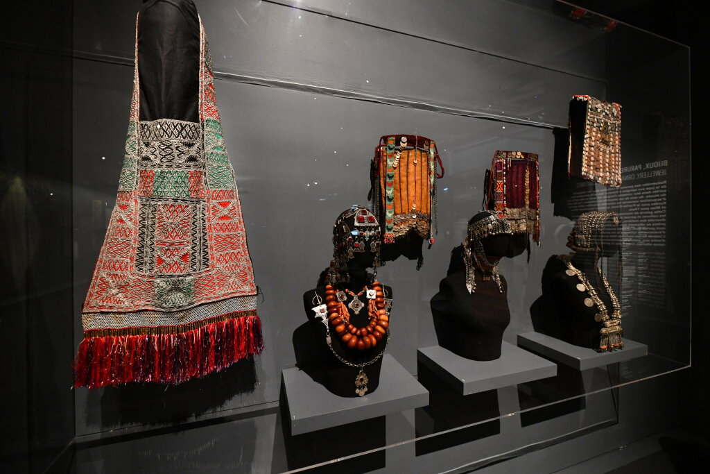 Vue exposition - 20 ans d'acquisition - Quai Branly Paris (38)