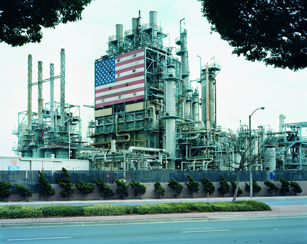 """BP Carson Refinery"", California, 2007 Courtesy Galerie Thomas Zander, Cologne"