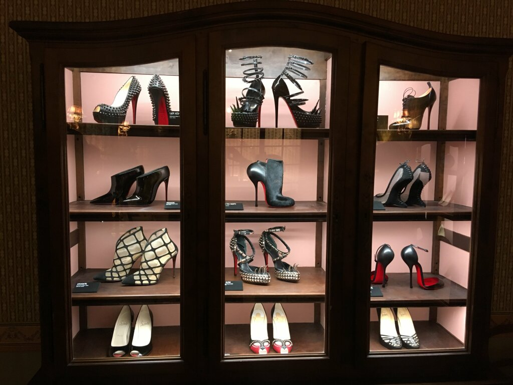 horaires magasin louboutin paris