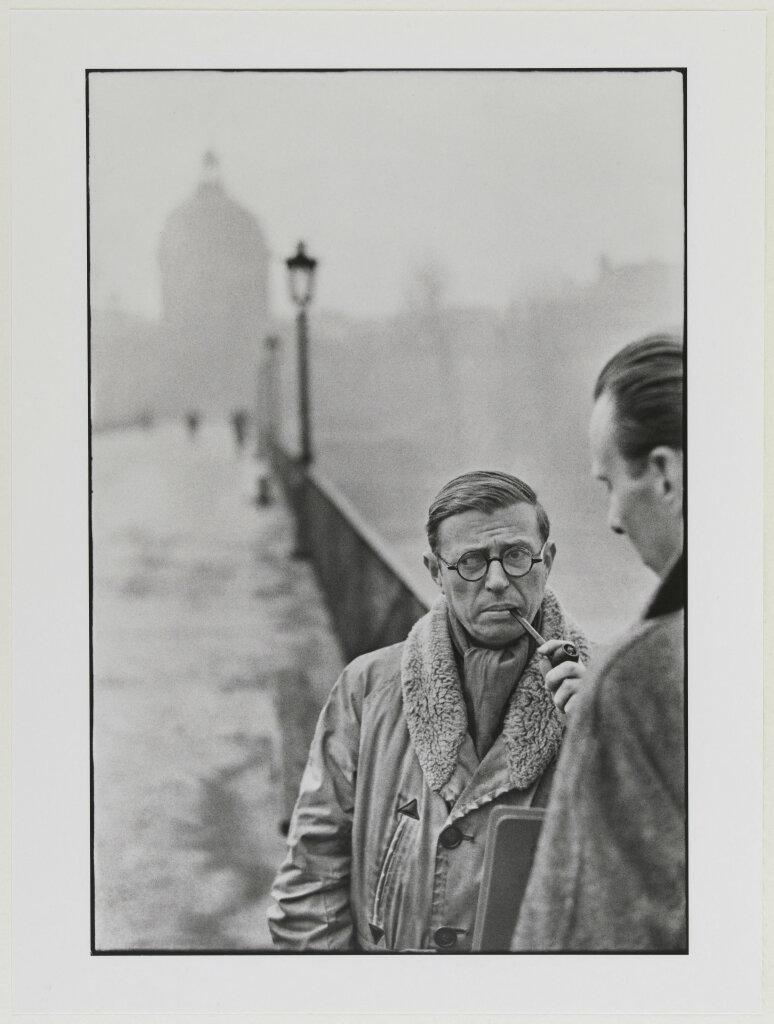 Portrait en buste de Jean-Paul Sartre. Jean-Paul Sartre, pont des Arts