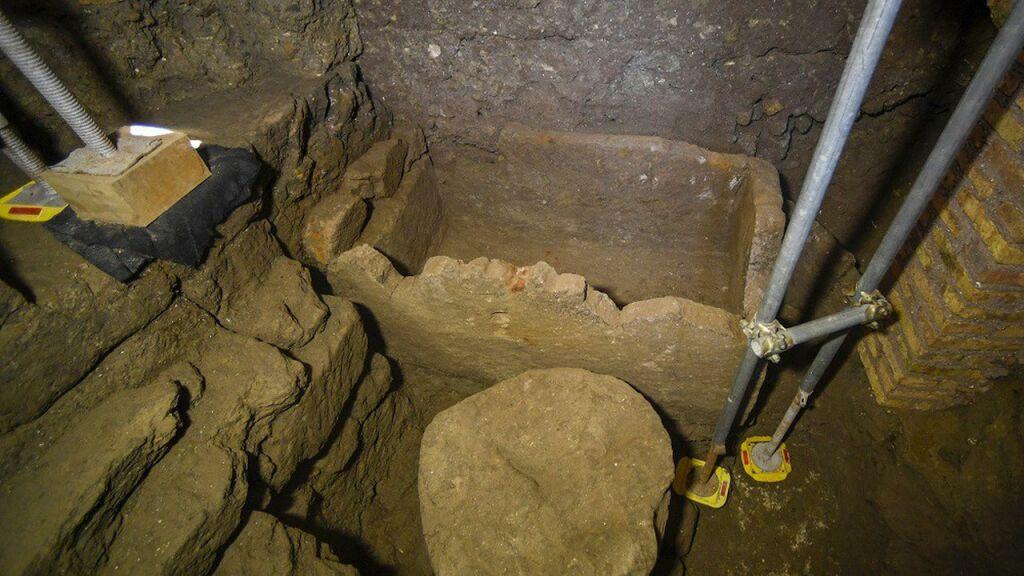 Le sarcophage découvert mesure 1.40 mètre de long