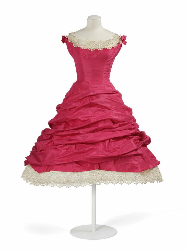 Balenciaga, Robe haute couture, Printemps-été 1955