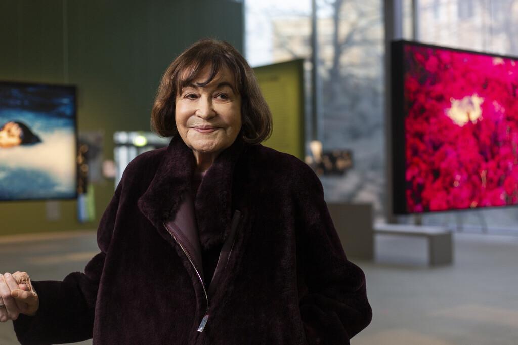 Portrait de Claudia Andujar à la Fondation Cartier en 2020