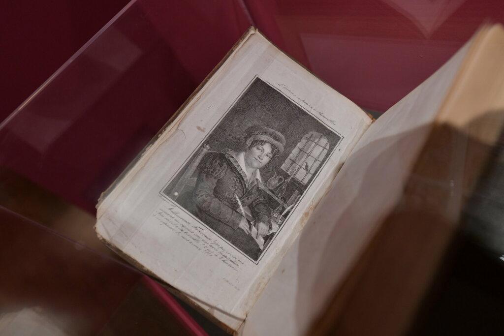 exposition cartomancie entre mystère et imaginaire - Musée de la Carte à Jouer (9)