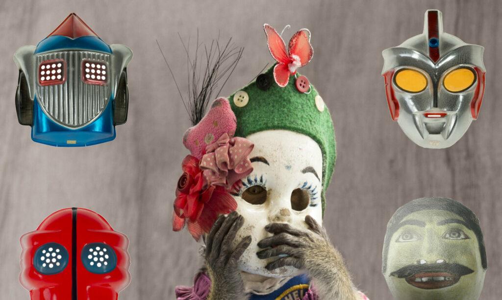 Exposition les curiosités du monde de Françoise Huguier au musée du Quai Branly-Vitrine de l'exposition de Francoise Huguier - Françoise Huguier - Quai Branly
