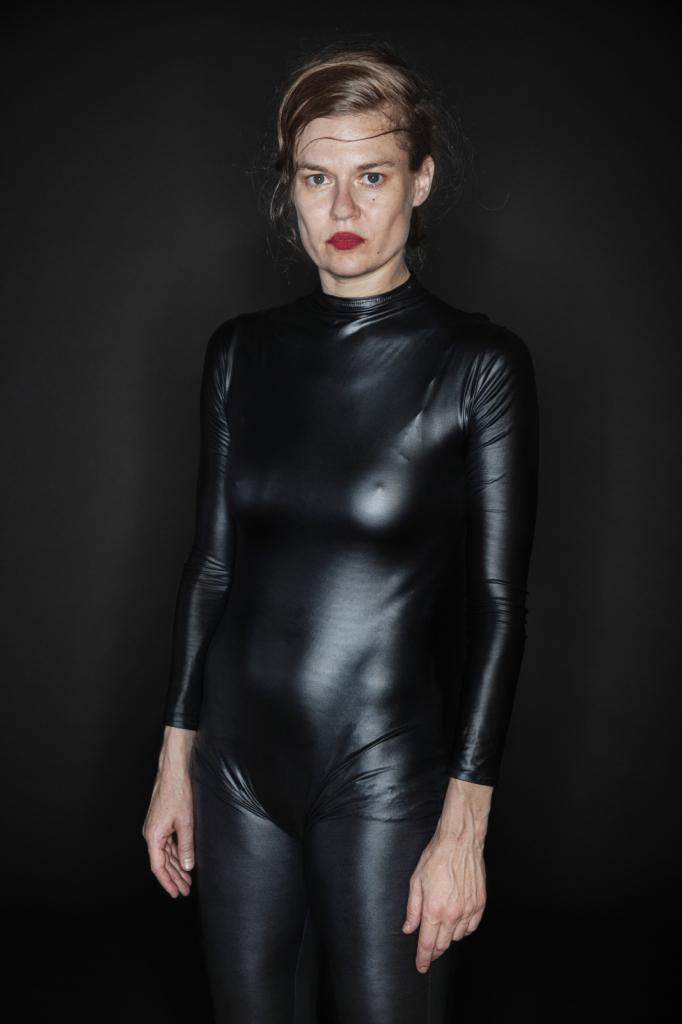 Gregoire Korganow, Sharon Eyal, série Sortie de scène
