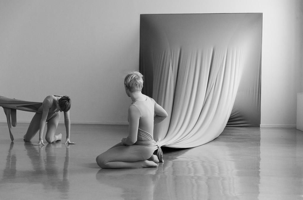 Malin Bülow - Elastic Bonding