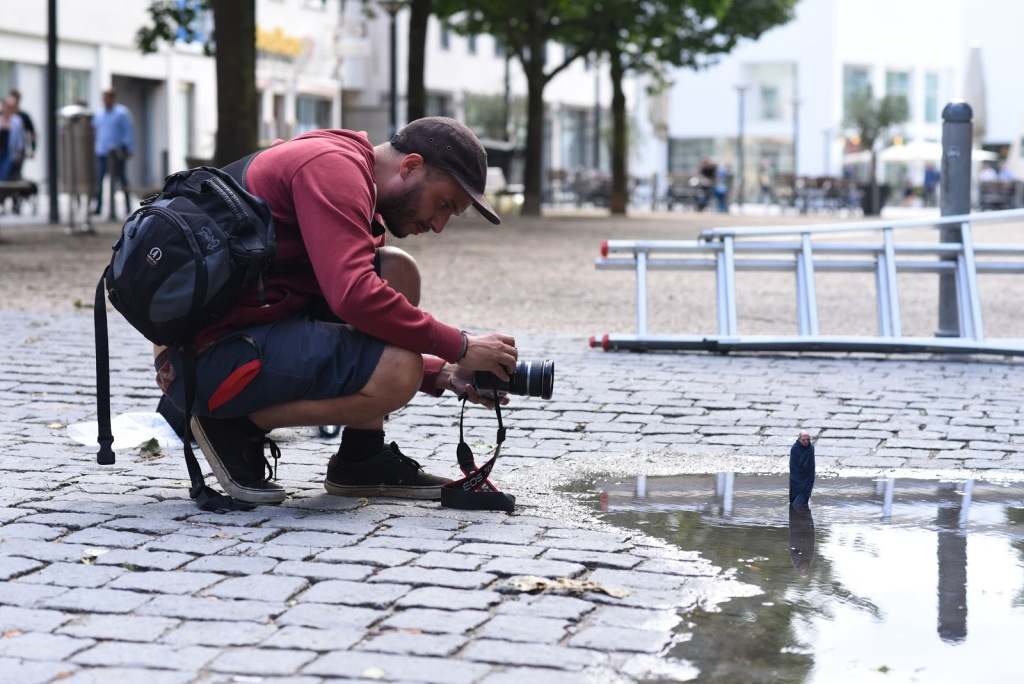Photographie d'une oeuvre d'Isaac Cordal