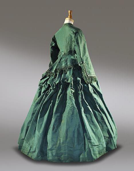 Robe issue de la Collection la Dame d'Atour
