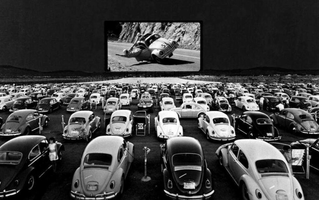 """Rassemblement de voitures VW """"Beetle"""" au milieu des années 1960"""