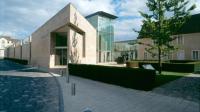 Hospice Saint-Roch, entrée contemporaine ©Jean Bernard