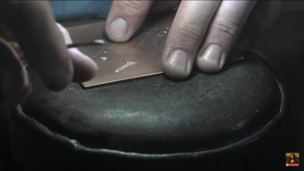 Capture d'écran vidéo musée du Louvre - Louis Boursier, la technique de la gravure au burin