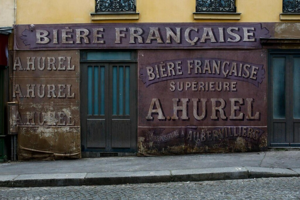 "Décor du film ""Adieu Monsieur Haffmann"""