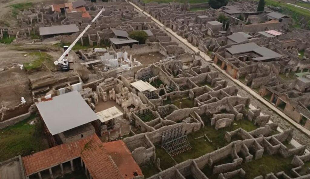 Capture d'écran de la vidéo de Pompéi filmée avec un drone