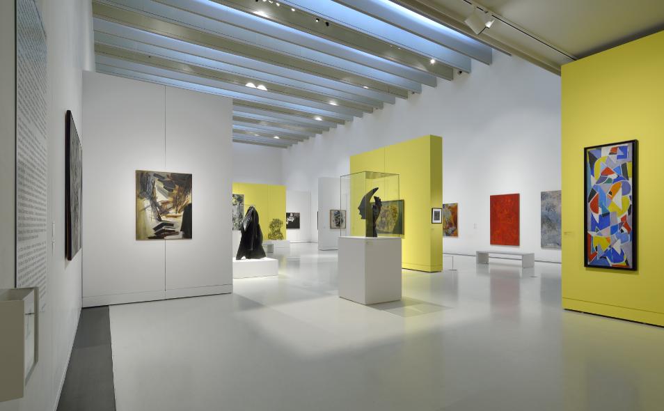 Vue de l'exposition Femmes Années 50 (2)