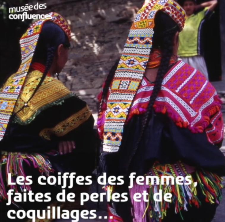 Coiffes des femmes Kalash