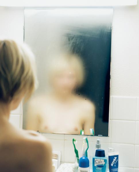 Exposition Je refléterai ce que tu es - Elina Brotherus Le miroir, Détail, 2000