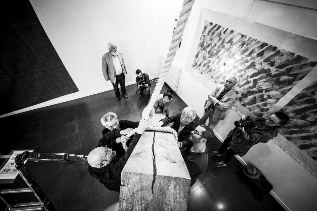 Exposition Viva Gino ! - Installation de Mono-ha, 2015 exposition à la Fondazione Mudima