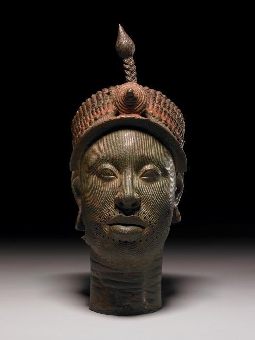 Tête en cuivre du roi Ooni au British museum