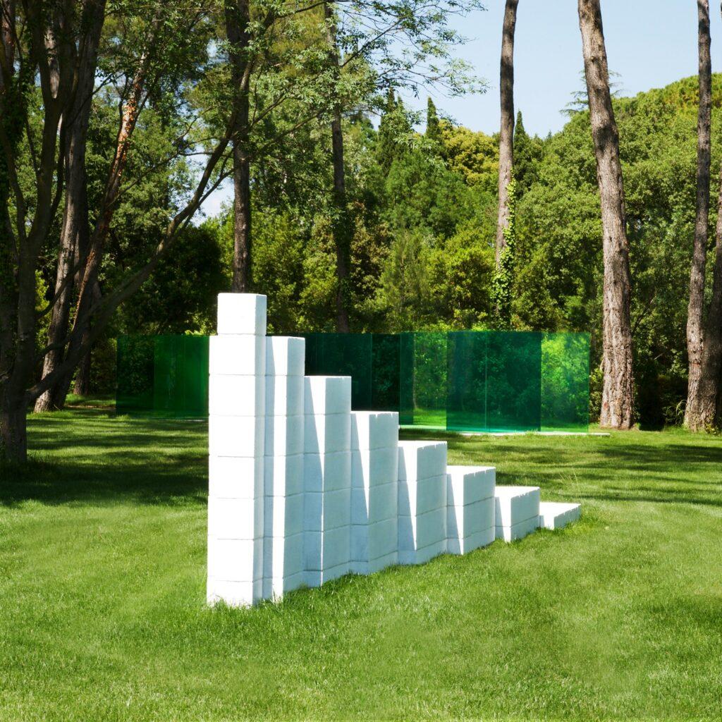Venet Foundation - Sol LeWitt - Horizontal Progression 1991 - Beton -
