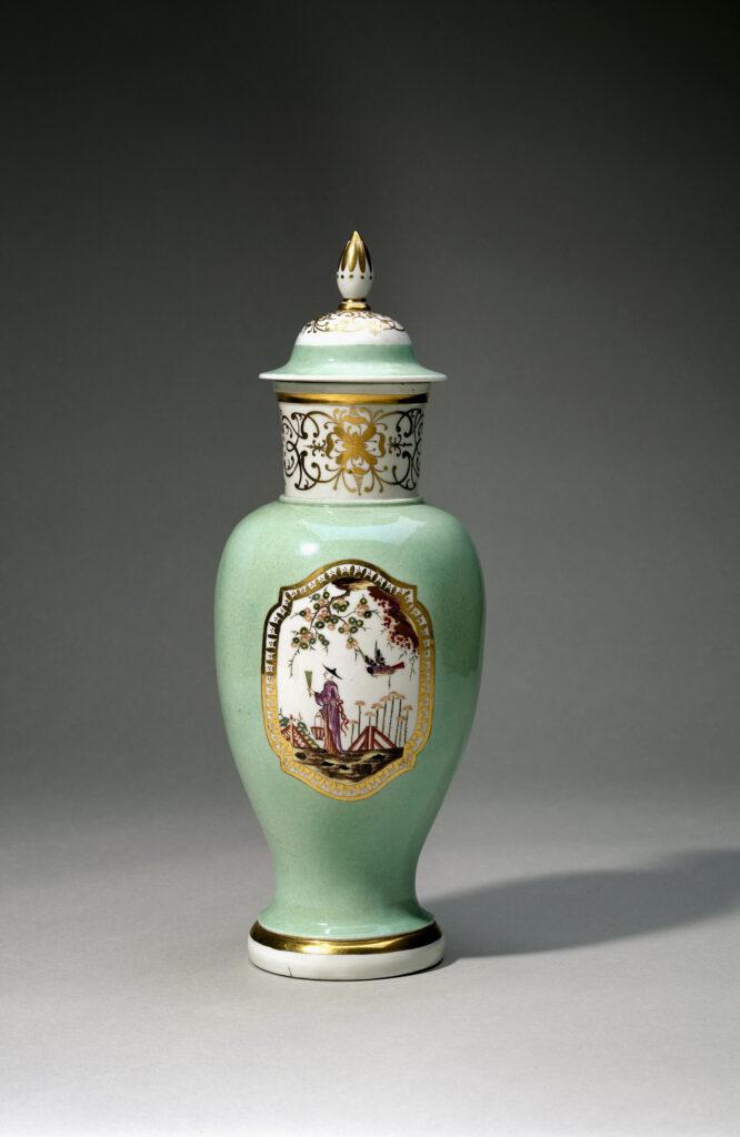 Exposition Meissen Folies de porcelaine au musée Ariana - Vase en porcelaine, vers1727