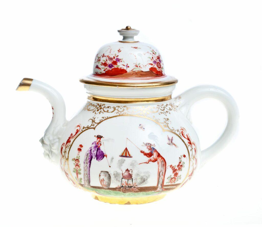 Exposition Meissen folies de porcelaine au musée Ariana Théière,vers1722‐23