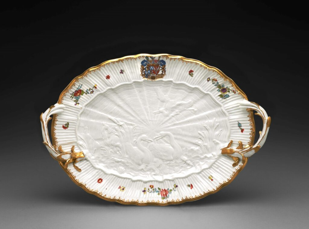 Exposition Meissen Folies de porcelaine- Plat (Serviceauxcygnes),vers1742‐1743