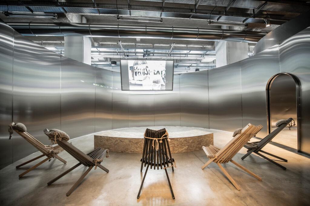 Exposition Places to be à la Fondation d'entreprise Martell - Salle de projection