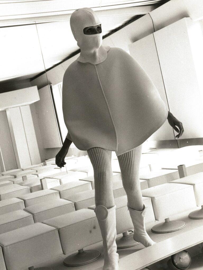 Courrèges, collection haute couture, prototype automne-hiver 1968-1969