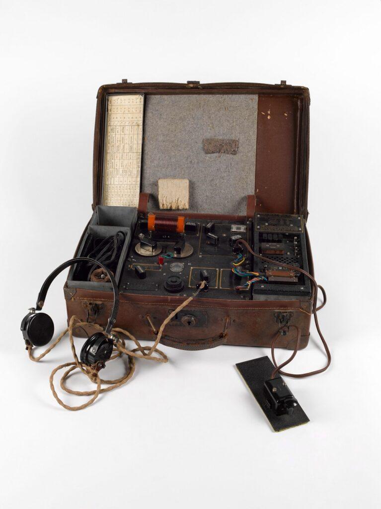 Poste émetteur-récepteur valise type 3 MKII