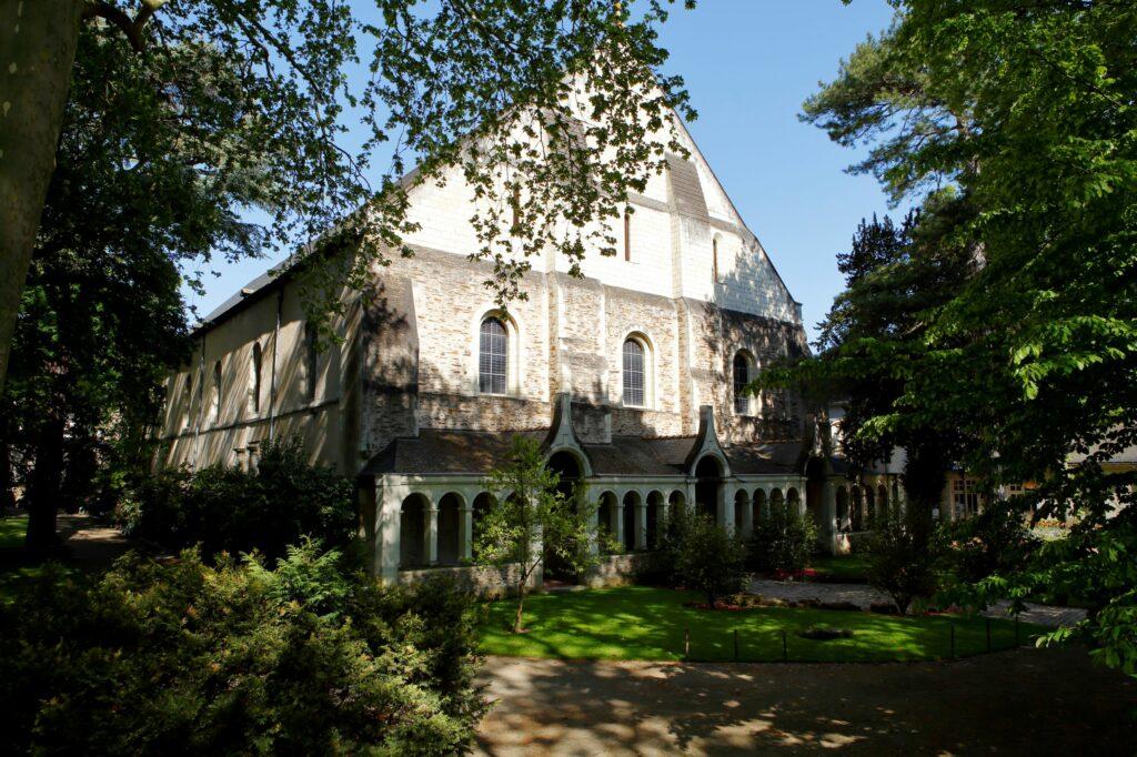 exposition Francis Wilson au musée Jean Lurçat-vue extérieure du musée