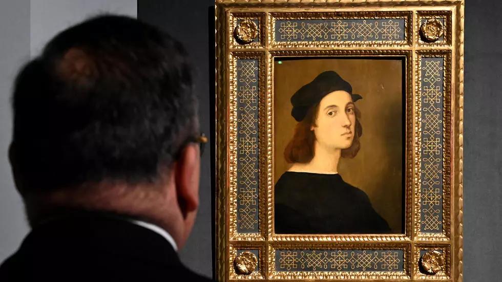 """Autoportrait du peintre Raphaël à l'exposition """"Raffaello"""" des Ecuries du Quirinal, Rome, le 4 mars 2020"""