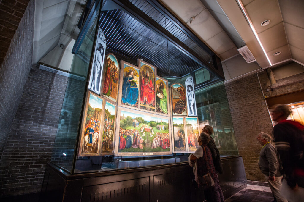 Van Eyck, L'Agneau mystique dans la cathédrale Saint-Bavon