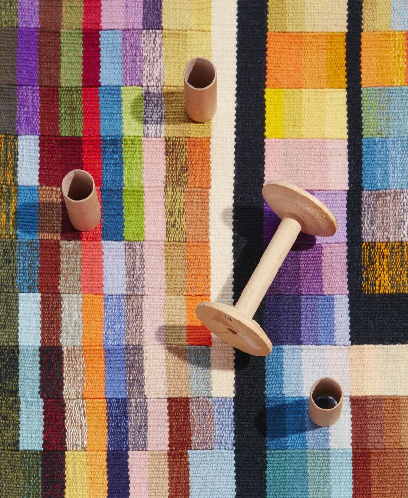 Détail d'une tapisserie de Sheila Hicks