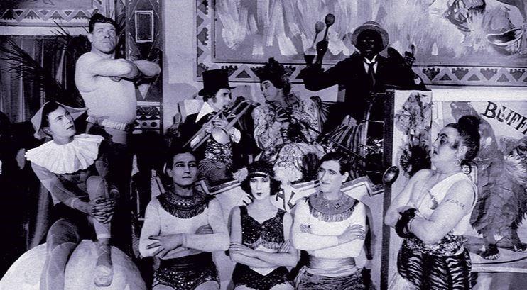 La Galerie des monstres, 1924