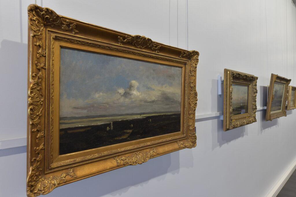 Vue de l'exposition Les Couleurs de la Mer au Musée Eugène Boudin