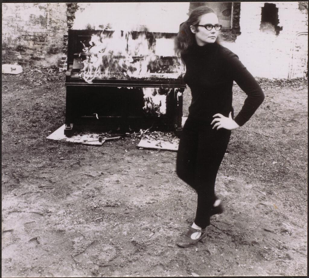 Annea Lockwood, Piano Burning, 1968