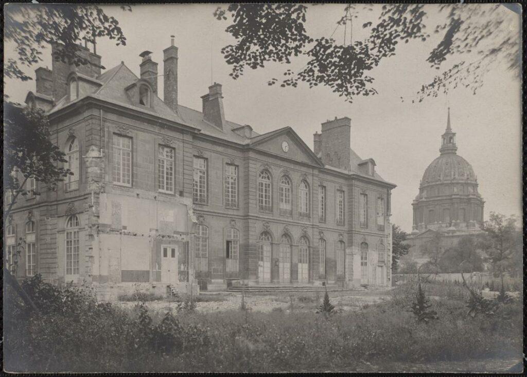L'hôtel Biron, côté cour
