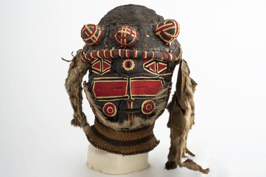 Masque d'initiation, chisaluke, 20e siècle, Zambie, Angola, culture luvale ou luchazi