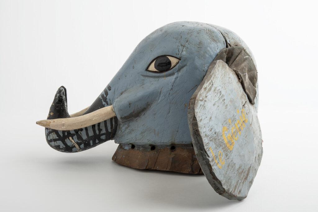 Masque guèlèdé, éléphant, 20e siècle, Bénin, culture nago-yorouba