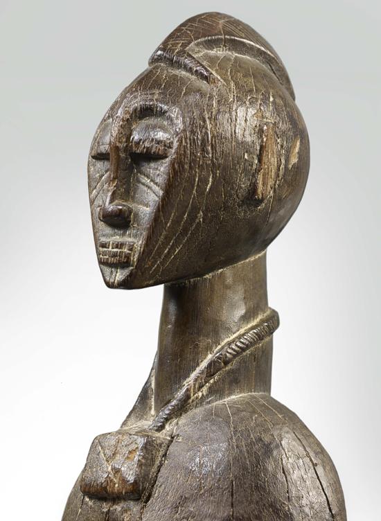 Statue féminine, collection Ladreit de Lacharrière