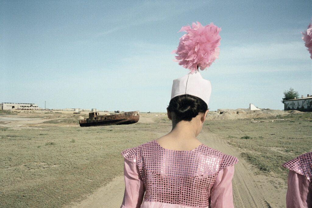 Claudine Doury, L'ancien port d'Aralsk, Kazakhstan, 2003